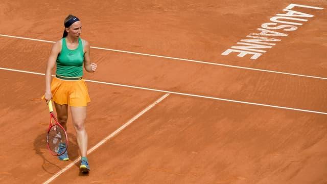 Ina giugadra da tennis sin la plazza a Losanna.