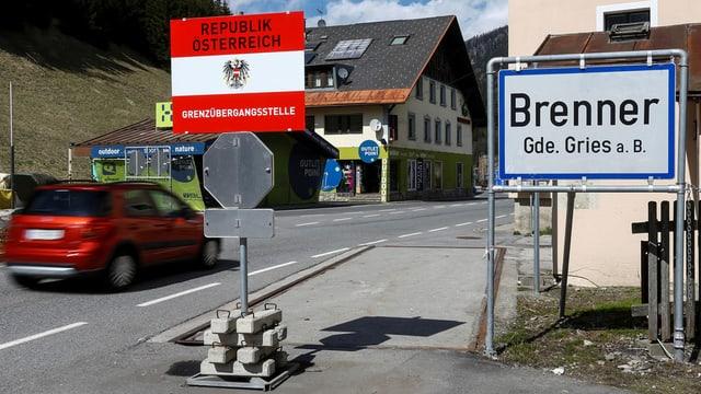 Il pass dal Brenner tranter l'Italia e l'Austria.