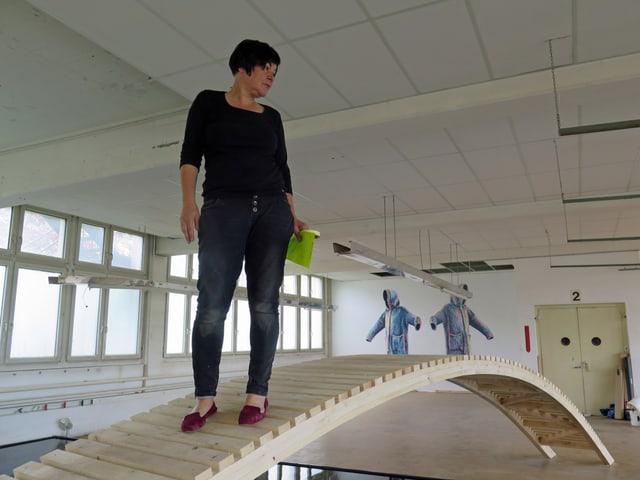 Anita Zimmermann in einem der Austellungsräume