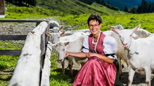 Video ««SRF bi de Lüt – Landfrauenküche» 1/7: Theresia Hollenstein» abspielen