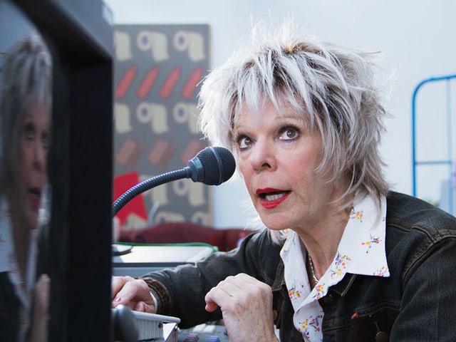 Birgit Steinegger als Cutterin
