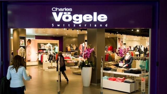 Charles Vögele sto serra tut sias filialas en l'Ollanda.