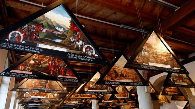 Kopierte Brückenbilder in einer Ausstellung