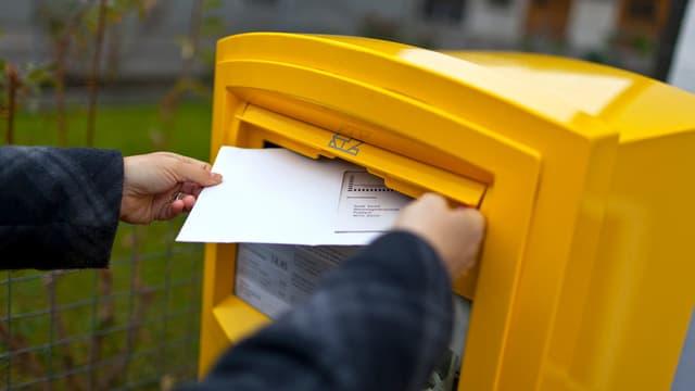 Neues Zustellsystem: Wenn die Mahnung künftig im Briefkasten landet, spart der Kanton Bern erheblich Portokosten.