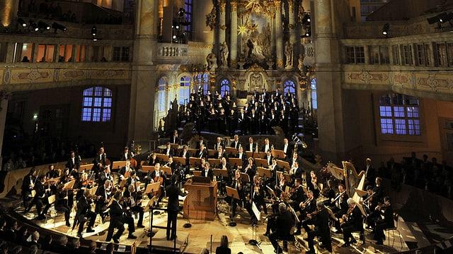 Video «Adventliche Festmusik aus Dresden mit Sonya Yoncheva & Luca Pisaroni» abspielen