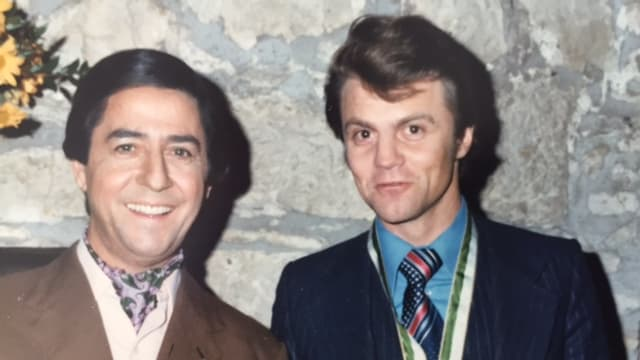 Vico Torriani e Roland Jöhri en l'emissiun da televisiun Kochstammtisch dal 1976