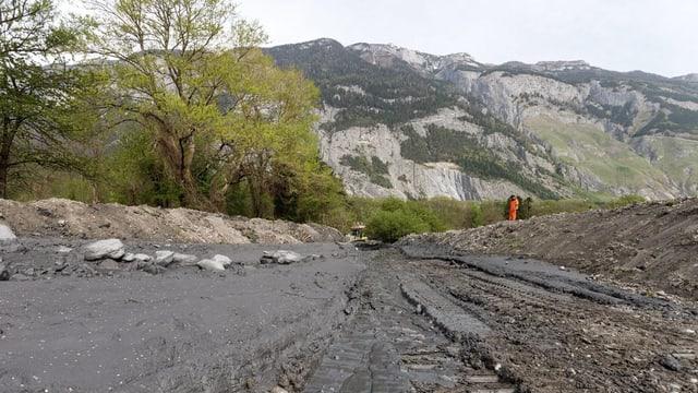 L'idea è da far in foss pli grond che po rimnar fin a 170'000 meters cubic material, radund 8 giadas dapli ch'il foss actual.
