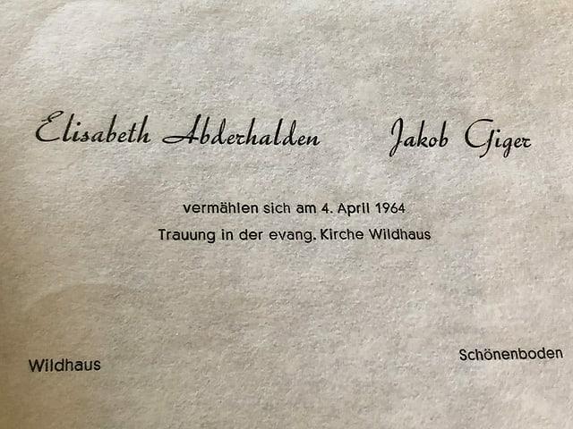 Ein Dokument mit der Bekanntgabe einer Vermählung.