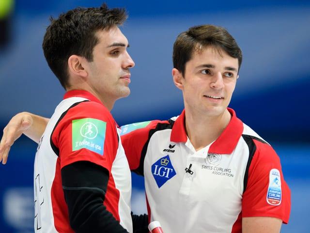 Die Schweizer Curler um Peter De Cruz und Benoît Schwarz.