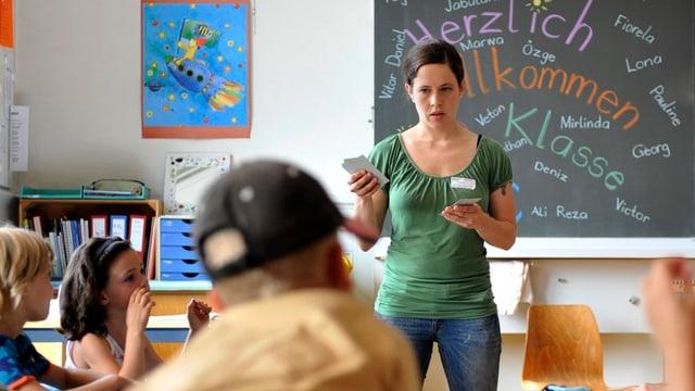 Aargauer Lehrerinnen und Lehrer fühlen sich im Vergleich zu Kollegen aus anderen Kantonen beim Lohn benachteiligt.