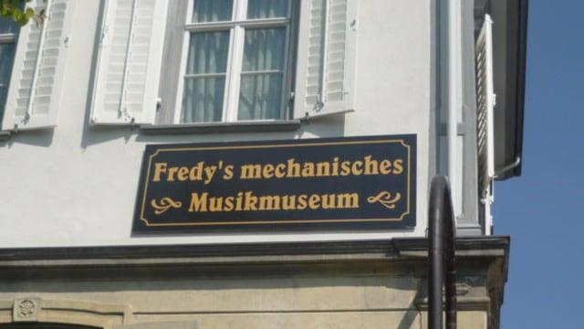Beschriftung am Museum in Lichtensteig.