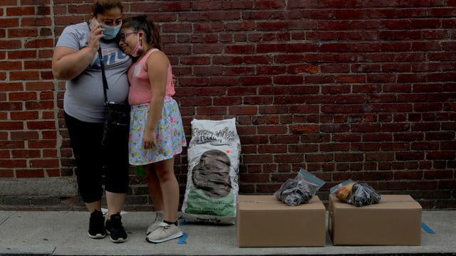 Arbeitslose Frau mit Tochter in Massachusetts