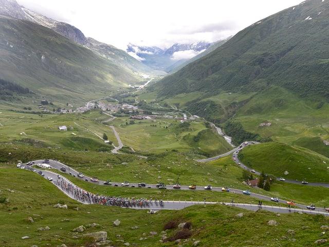 Die Tour de Suisse am Furkapass