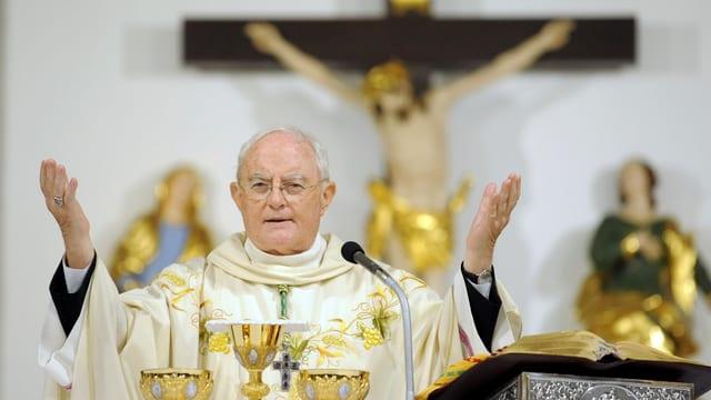 Bischof Hnryk Hoser predigt in Polen von der Kanzel gegen Abtreibung.