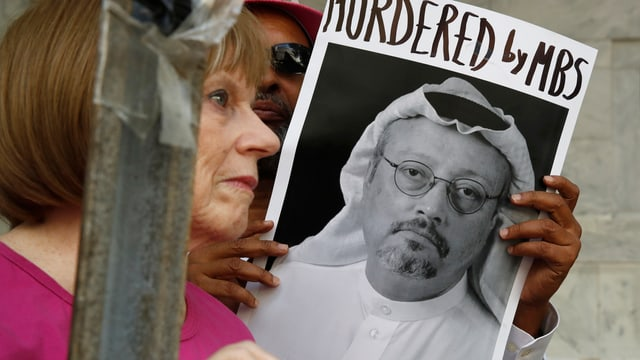 Vom Verschwinden Khashoggis aufgewühlt: Demonstranten protestieren vor der saudischen Botschaft.