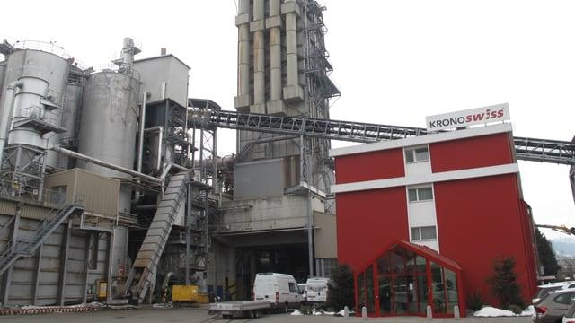 Die Fabrikanlagen der Firma Kronospan in Menznau.