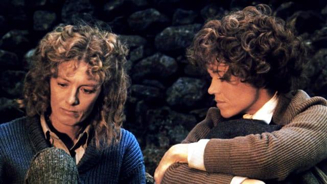 Zwei Frauen mit Locken
