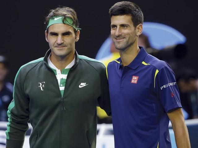 Novak Djokovic (rechts) und Roger Federer