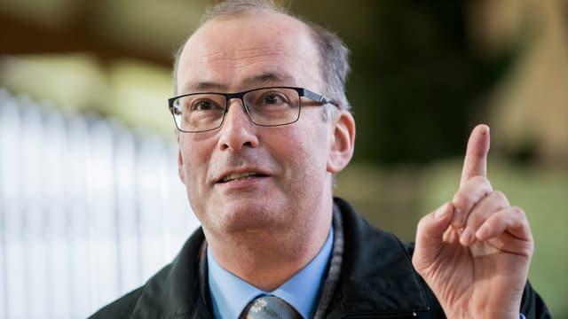 Markus Ritter erhebt den Zeigefinger