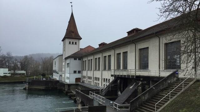 Das Kraftwerk Aarau seitlich
