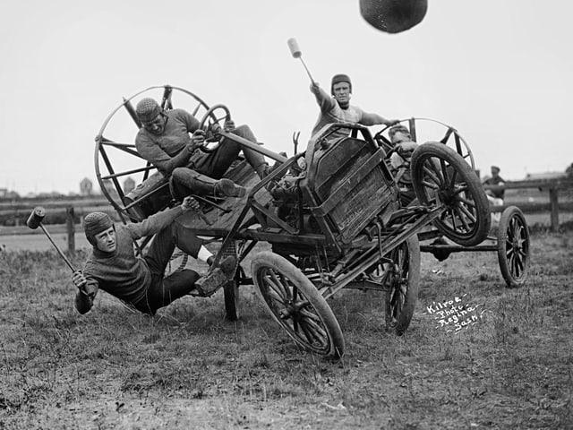 Autopolo 1919: Oft war es wichtiger, den Gegner zu rammen, als den Ball zu treffen.