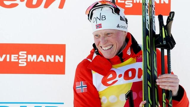 Tora Berger sichert sich mit dem 11. Saisonsieg vorzeitig den Gesamtweltcup.