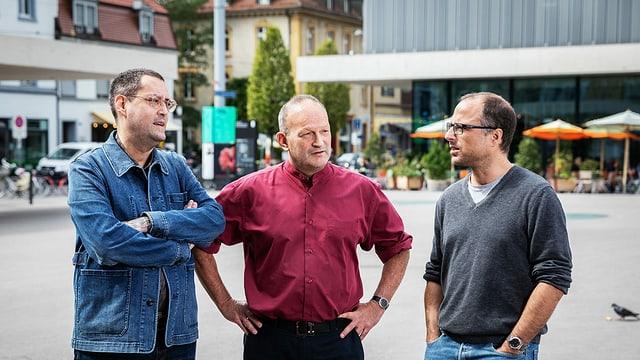 Das Autoren-Trio der Meiringer Trilogie: Gion Mathias Cavelty, Matthias Berger und Lukas Holliger in Basel.