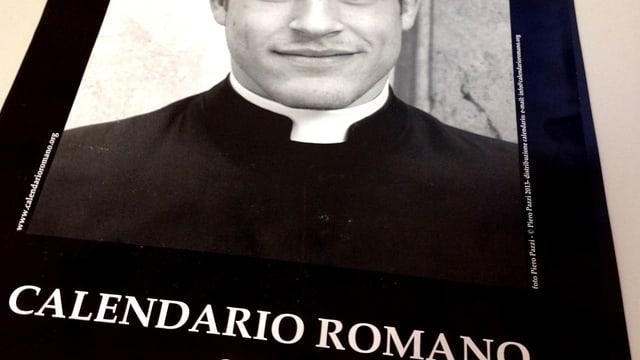 Jahres-Monats-Kalender mit Foto von jungem Priester auf der Front