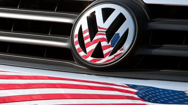 Bandiera dals Stadis Unids e logo a VW.