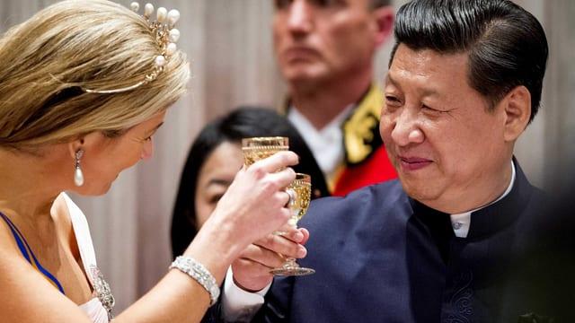 Màxima, Königin der Niederlande, und Xi Jinping.