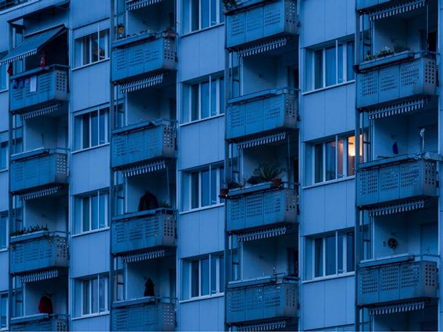 Ein Blick hinter die Fassaden: Die Suche nach Sozialhilfebetrüger kann sehr aufwändig sein.