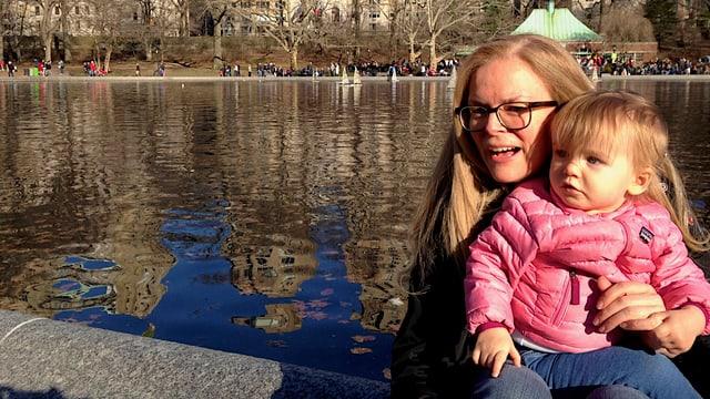 Christina im Central Park mit Tochter Lena.
