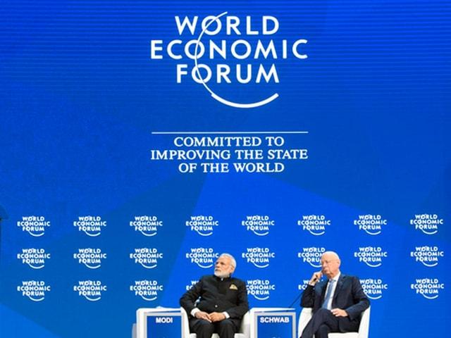 Eröffnungspodium am WEF 2018 mit dem Indischen Premier und dem WEF-Gründer Klaus Schwab
