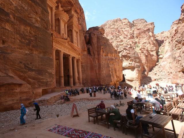 Touristen in Petra