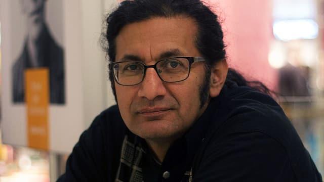 Porträt des Schriftstellers Rodaan al-Galidi.