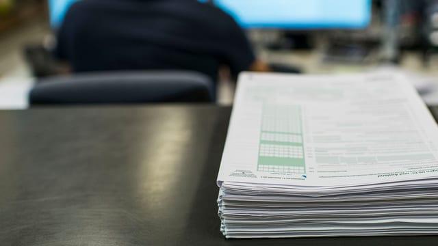 Sollen im Kanton St. Gallen die Steuern bald direkt vom Lohn abgezogen werden?