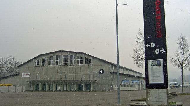 Bild der Festhalle.