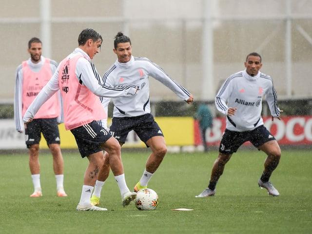 Die Profis von Juventus Turin beim Training.