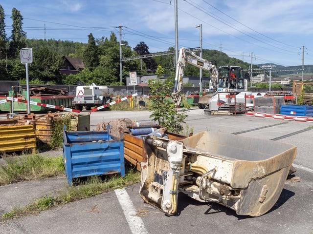 Bauvorbereitungen fuer den Vierspurausbau und das Wendegleis vor dem Bahnhof in Liestal