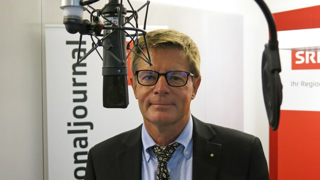 Der Basler Gewerbedirektor Gabriell Barell im Radiostudio.