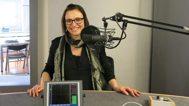 Die Bob-Pilotin Fabienne Meyer im SRF  Regionalstudio Luzern.