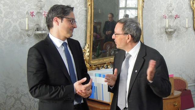 Cusseglier guvernativ Martin Jäger (dretg) en discurs cun il Landeshauptmann Arno Kompatscher.
