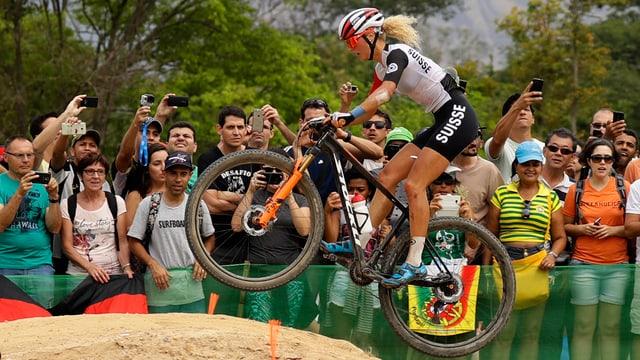 Jolanda Neff durant la cursa a Rio.