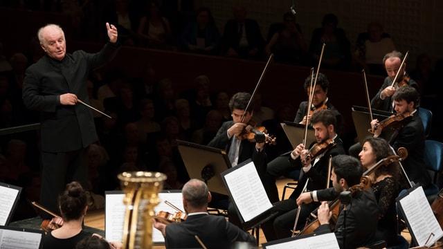 Bild von Daniel Barenboim, er ist ein argentinisch-israelischer Pianist und Dirigent.