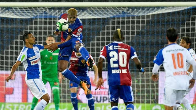 Basel (hier mit Manuel Akanij) ist gegen die Grasshoppers deutlicher Favorit.