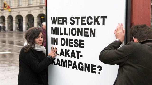 Placat da la campagna per l'iniziativa da transparenza.