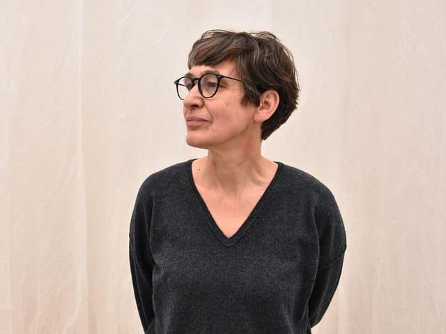 Evelina Cajacob davart ils muments da repetiziun en ses art: «En la vita sa repetan bleras chaussas. Mintga di levan ins puspè.»