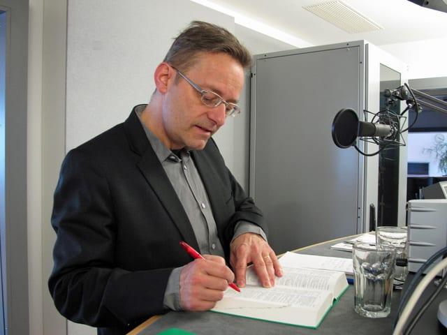 Regierungsratskandidat Conrad Wagner, Grüne beim Interview.