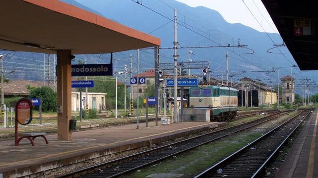 Der Bahnhof Domodossola mit Gleisanlagen