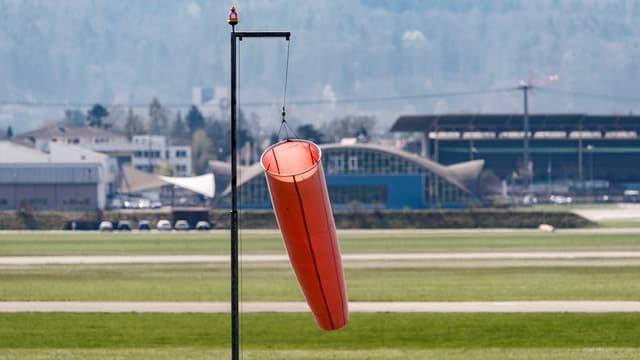Flugplatz Dübendorf mit Windfahne